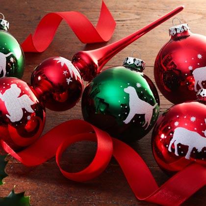 Kerstballen en kerstboompiek
